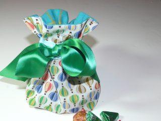 Fabric box bottom gift-bag tutorial