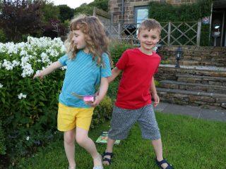 The kids handmade wardrobe – mix and match super quick holiday wardrobe.
