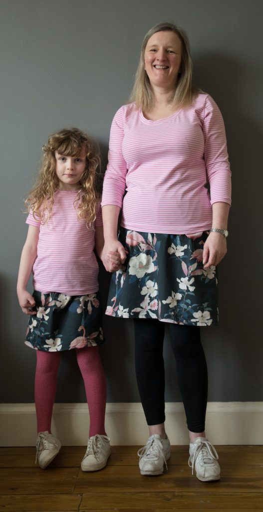 Easy no pattern elasticated waist skirt to fit your size.