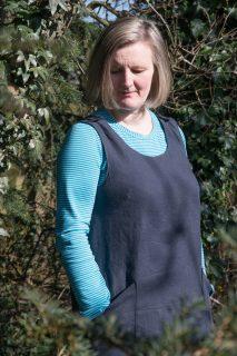 button shoulder pinafore dress