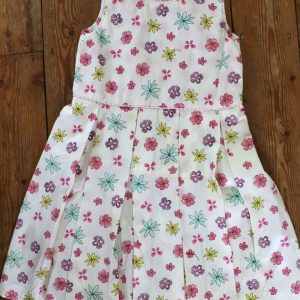 Girls box pleat floral dress with piping detail - age 3-4 years.