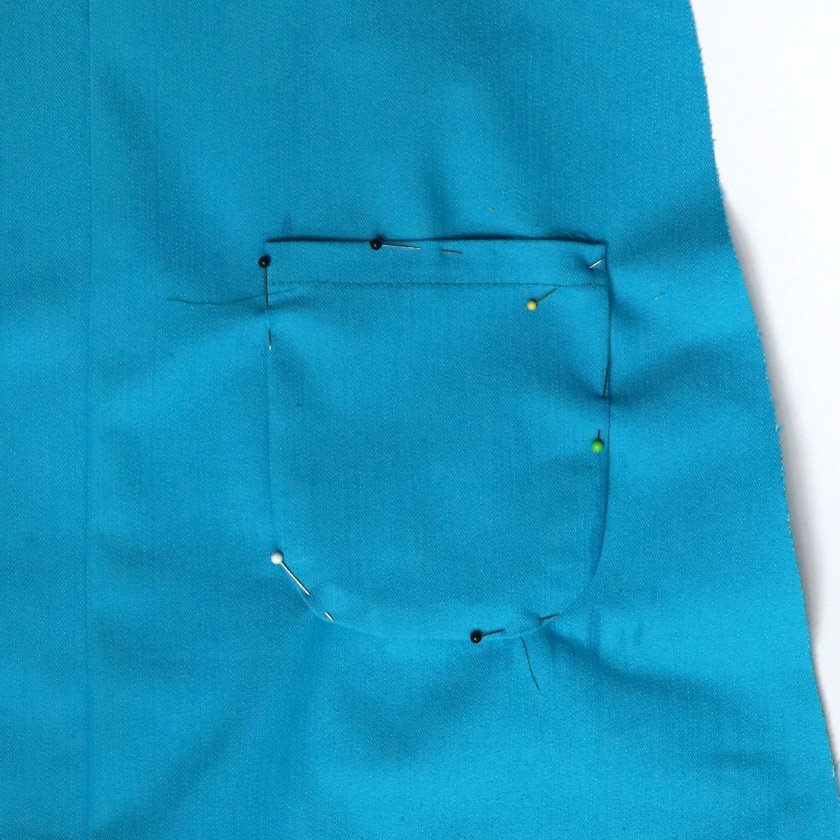 How to apply perfect curved patch pockets. Bobbins and Buttons.