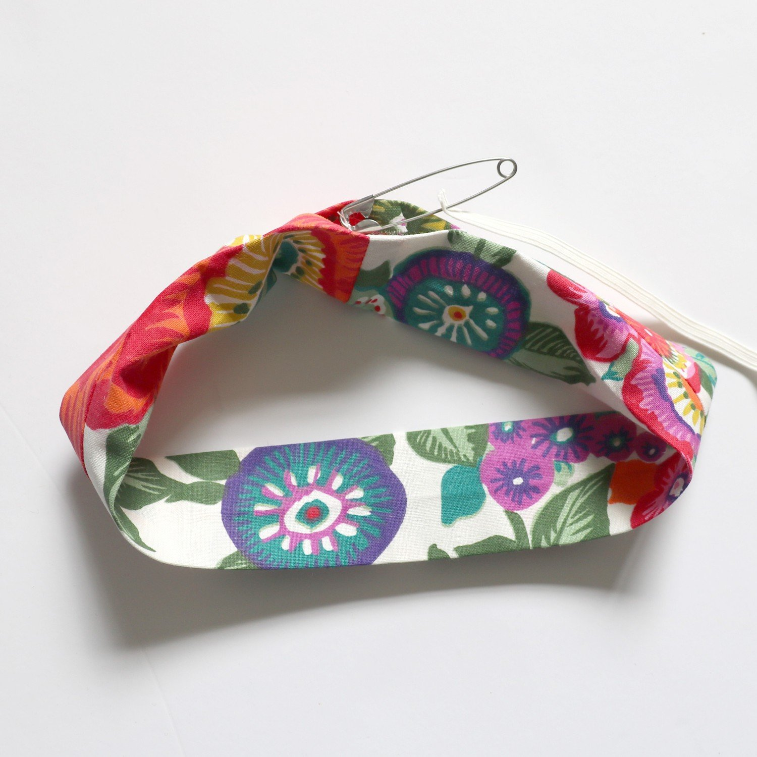 How to make a scrunchie from Bobbins and buttons