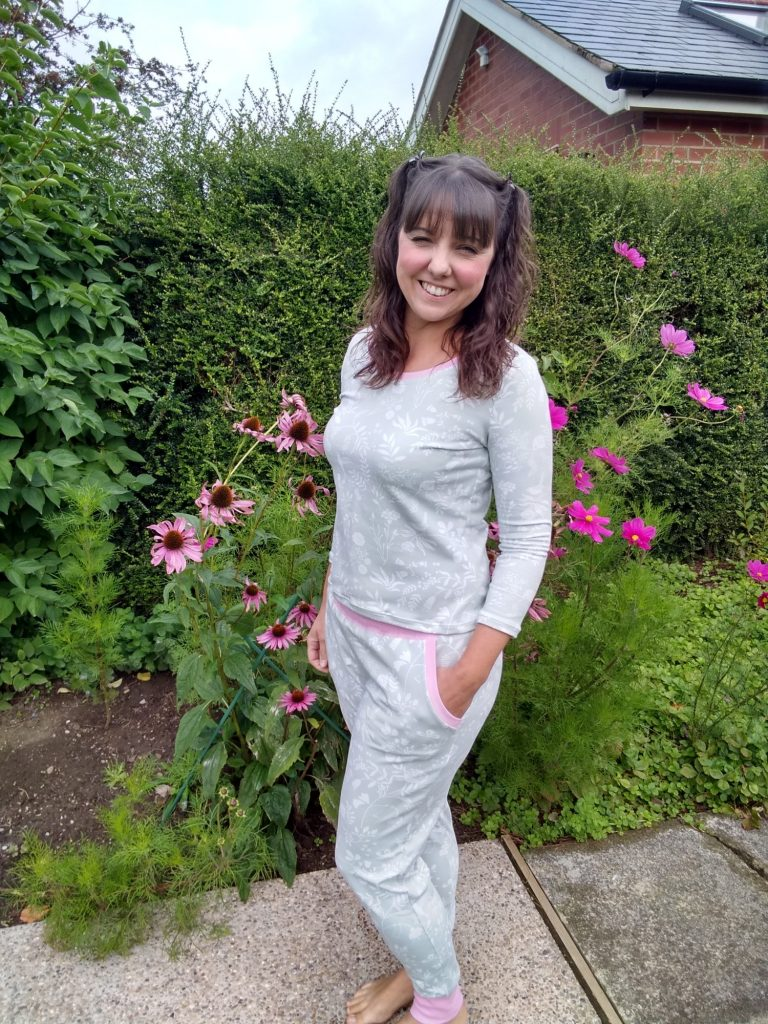 lounge wear on bobbins and buttons blog