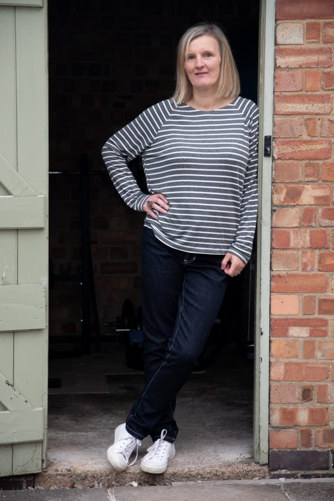Lynn sweatshirt hack from Bobbins and Buttons