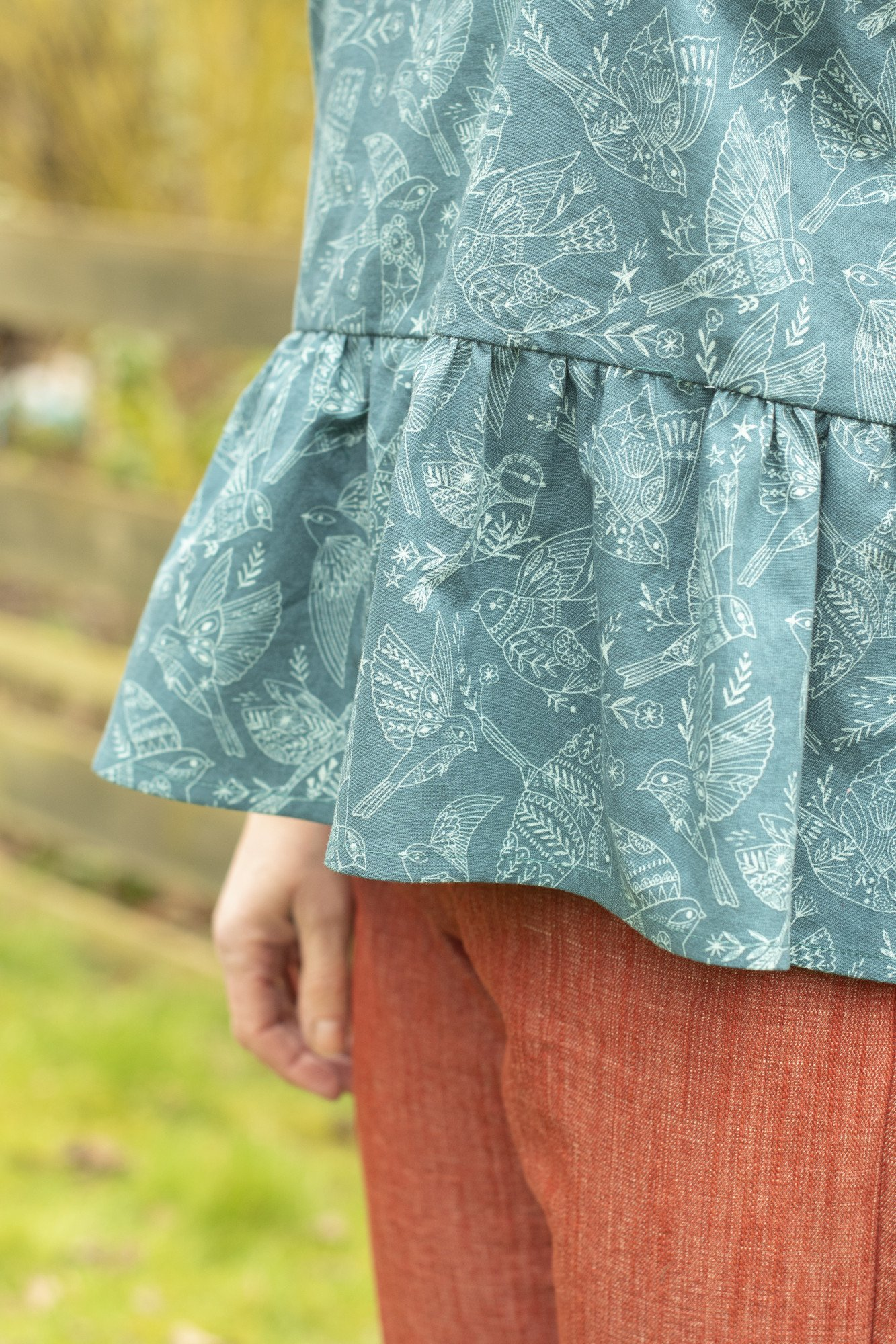 Bobbins and buttons free sewing pattern