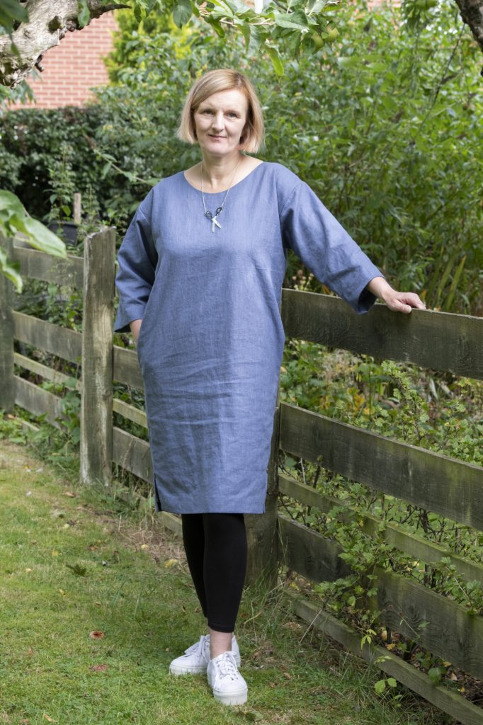 Subscribers free pattern from Bobbins and Buttons - the dress hack