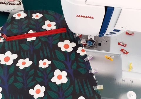 tips for sewing laminated fabric from Bobbins and Buttons